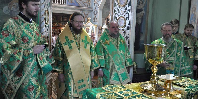 Архиепископ Боярский Феодосий возглавил богослужение престольного праздника в храме прп.Серафима Саровского
